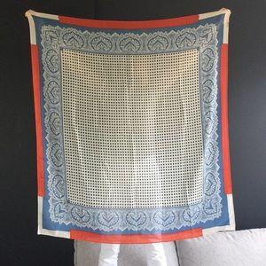 Wool/silk blend scarf